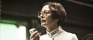 Tilda-Swinton-as-Mason-in-Snowpiercer